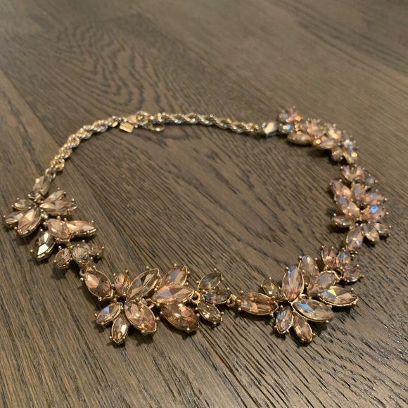 Banana Republic Wreath Necklace